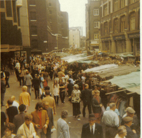 Imagery from Petticoat Lane in the 1970s was used in the opening credits of Only Fools and Horses