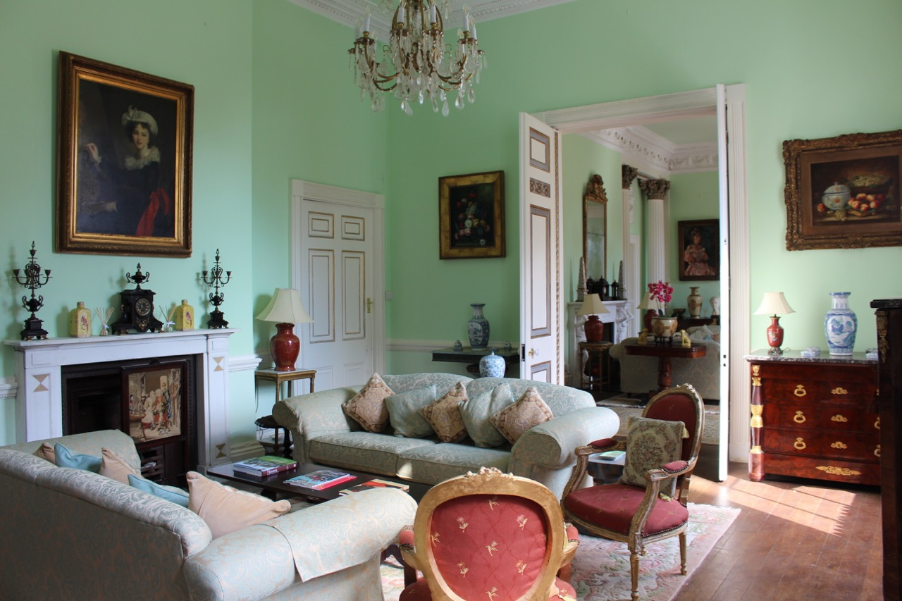 Colourful sitting room in Castle Goring