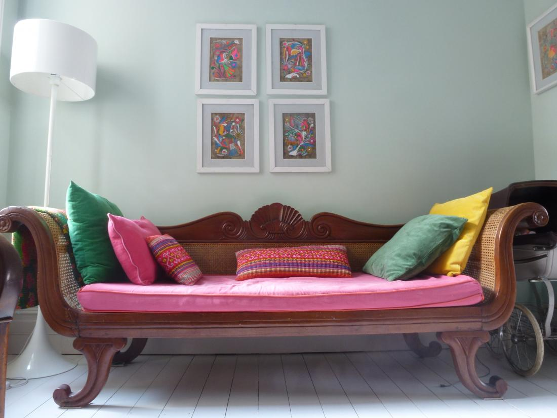 Northwood Pastels living room, a location adorned with colour-popping props (Ref 3561)